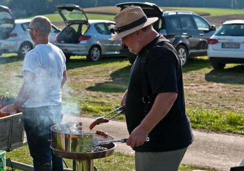 Elektromeisterschaft 2011 - Werner am Grill!!!